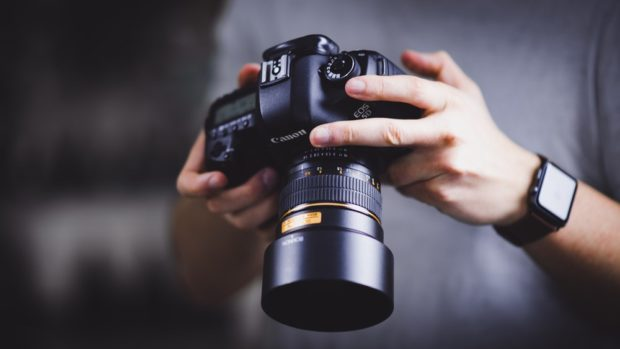 Photographer's Best Friends: 5 Tools Each Photographer Should Have in 2019 - photographer, photo filter, photo editor, lens