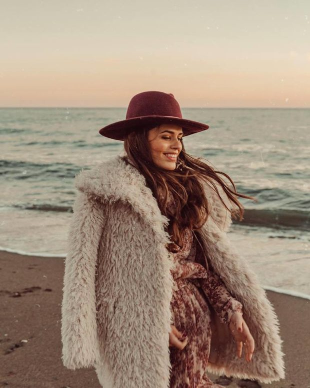 How to Dress Up for Winter Date  15 Cute Winter Date Outfits