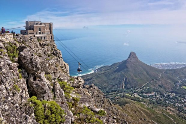 4 Reasons To Visit And Go Up Table Mountain In Cape Town