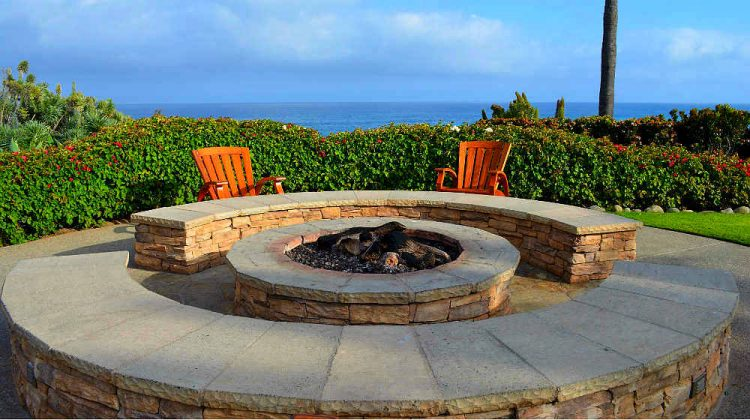 16 Easy and Cheap DIY Outdoor Fire Pit Ideas - Style ...