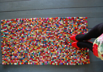 15 Great DIY Rugs to Brighten up Your Home - DIY Rugs, DIY rug, diy home decor, bath rugs