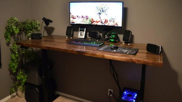 Top 10 DIY Desk Ideas On Reddit