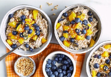 5 Healthy Breakfast Ideas - udding, Smoothies, smoked, salmon, omlette, oats, ideas, healthy, fresh fruit, coconut yougurt, Chia Seed, breakfast