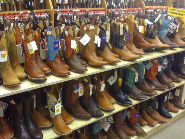 The Best Outfits for Cowboy Boots