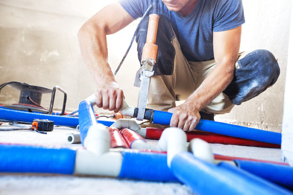 6 Reasons to Hire a Professional Plumbing Service