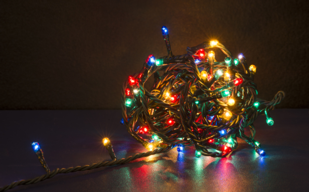 How to Shorten LED Christmas Lights (Complete Guide)