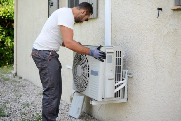 7 Signs You Need a Professional to Help with Repairing Your Air Conditioning