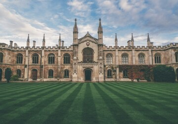 Top 5 Historic Universities in the UK with Beautiful Architecture - University of Oxford, University of London, University of Glasgow, University of Cambridge, Historic Universities, Durham University