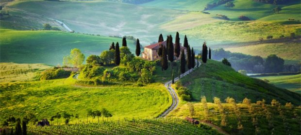 A Tourist-friendly Vacation: The Choice Of Successful Tours And Personalized Offers - venice, vacation, tuscany, tours, tourists, rome, milan, lombardy, Italy, florence, destinations