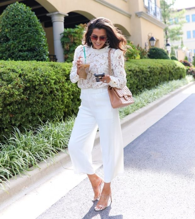 What To Wear With White Jeans – 15 Outfit Ideas