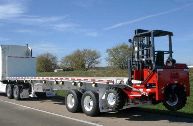 Five Applications Of A Flatbed Truck With Forklift