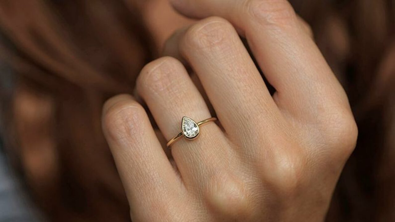 5 Reasons to Shop Engagement Rings with your Partner