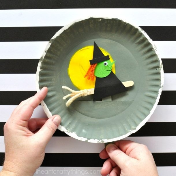 15 Simple but Not Scary Halloween Crafts for Kids (Part 1) - Not Scary Halloween Crafts for Kids, Halloween Crafts for Kids, halloween crafts, DIY Halloween Crafts