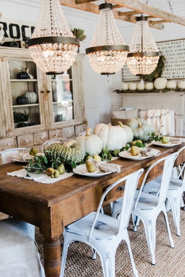 15 Easy Fall Decorating Projects (Part 1) - Farmhouse Fall Decorating Ideas, Farmhouse Fall Decorating, Fall Decorating Projects, fall Decorating Ideas, Fall Decorating