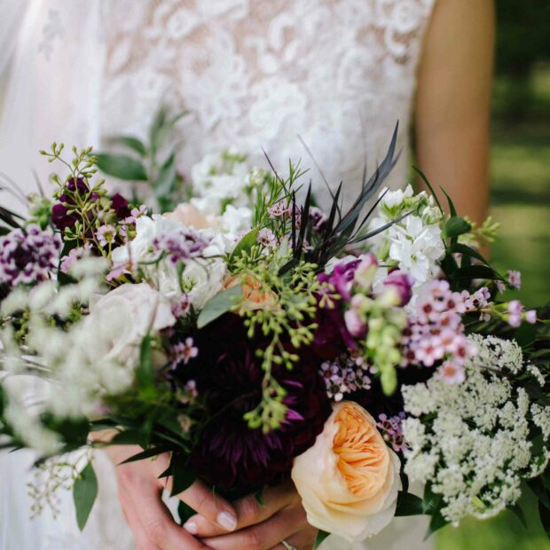 15 Prettiest Bouquets Ideas for Fall Wedding (Part 2) - fall wedding theme, fall wedding flowers, fall wedding Bouquets, fall wedding