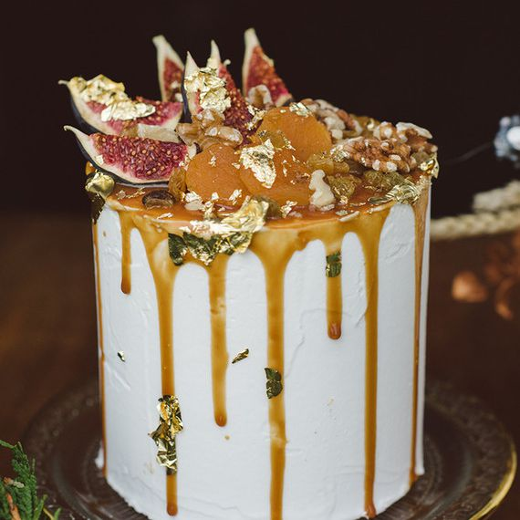 PHOTO BY SCARLET O'NEIL; CAKE BY TRUFFLE CAKE & PASTRY