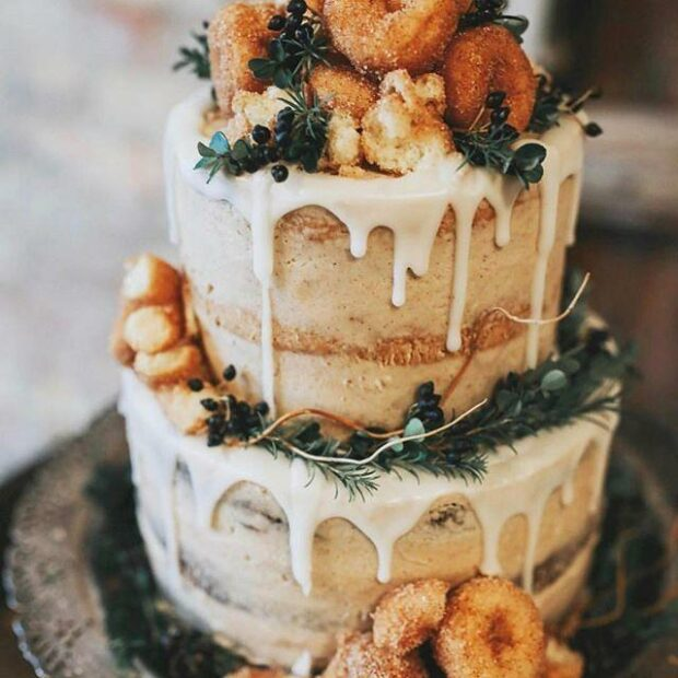 PHOTO BY SUMMER TAYLOR PHOTOGRAPHY; CAKE BY THE PEAR BLOSSOM