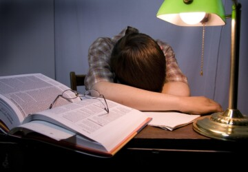 How To Focus On Assignment When Only One Night Left - students, organize, focus, distractions, deadline, assignment
