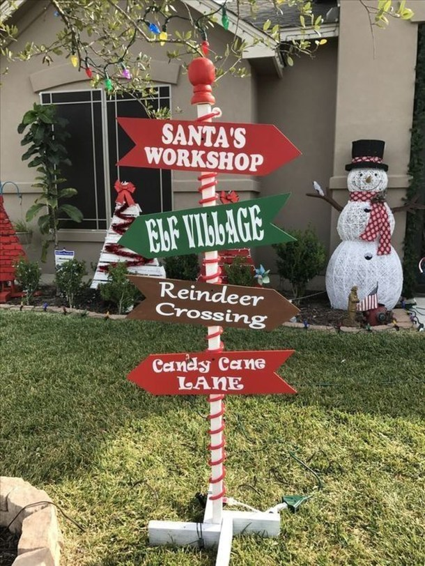 15 Spectacular Outdoor Christmas Decorations (Part 1) - Outdoor Farmhouse Christmas Decorations, Outdoor Christmas Decorations, Outdoor Christmas Decor, Outdoor Christmas, diy Christmas decorations, Christmas Decorations