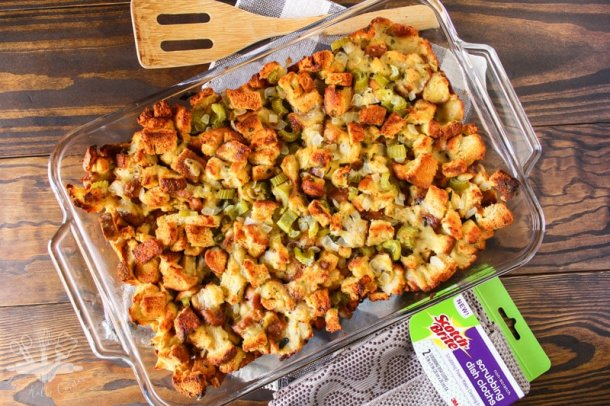 15 Thanksgiving Stuffing Recipes (Part 1) - Traditional Thanksgiving Recipes, Thanksgiving Stuffing Recipes, Thanksgiving Stuffing Recipe, Thanksgiving Stuffing, Thanksgiving recipes, Stuffing Recipes