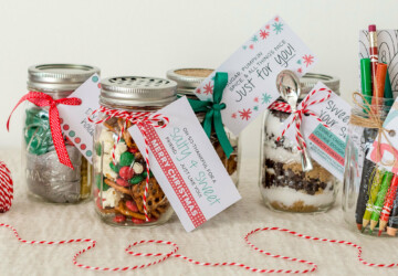 15 DIY Mason Jars That Make the Perfect Gift - DIY Mason Jars gift, DIY Mason Jars, DIY Mason Jar gifts, DIY Mason Jar Crafts