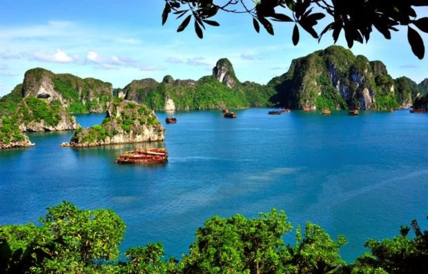 Top 7 Most Famous Destinations in Vietnam - vietnam, travel, Thien Mu Pagoda, Hoan Kiem Lake, Halong Bay luxury cruise, Halong Bay