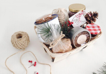 15 Creative DIY Gift Basket Ideas for Christmas (Part 1) - DIY Gift for Christmas, DIY Gift Basket Ideas for Christmas, DIY Gift Basket Ideas, diy Christmas gift, Diy Christmas, budget- friendly diy Christmas