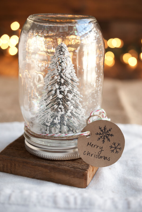 15 Easy  Mason Jar Christmas Gifts and Craft Ideas - Mason Jar Christmas Craft Ideas, Mason Jar Christmas, Christmas Mason Jar Gifts, Christmas Mason Jar
