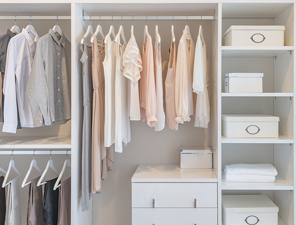 5 Principles of the Minimalist Wardrobe — and Why It Works