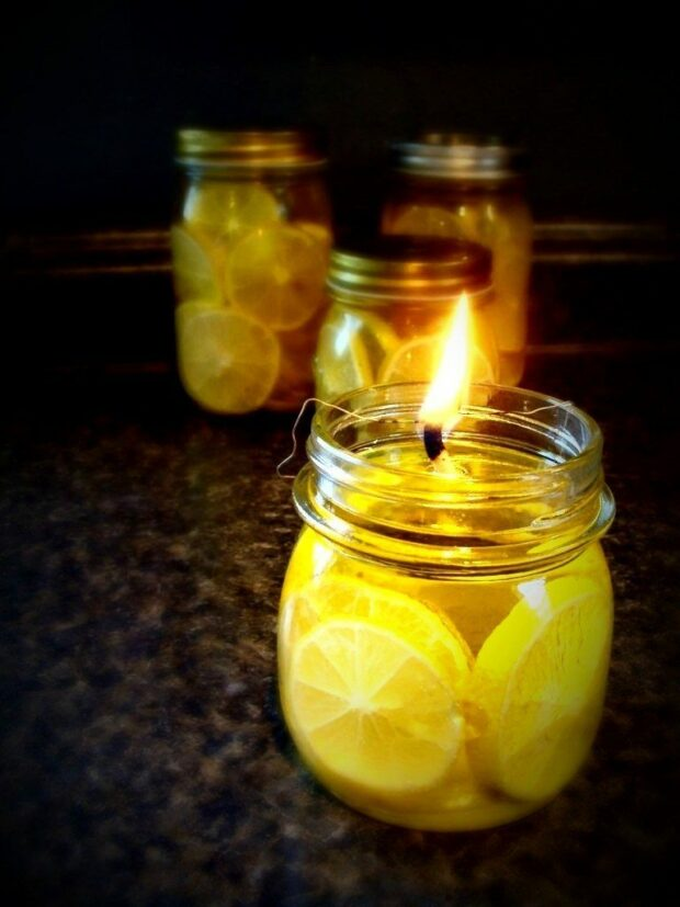 15 Easy DIY Scented Candles