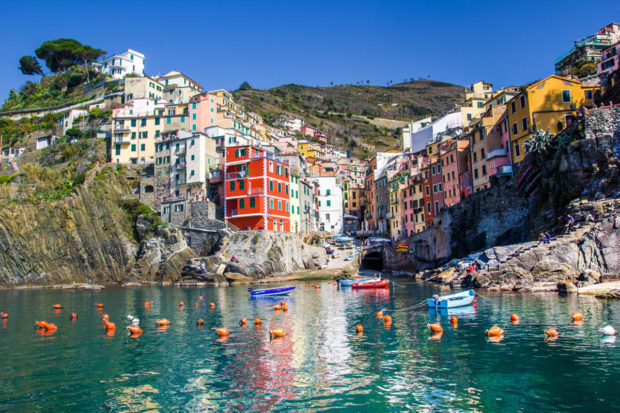 5 Reasons To Visit Cinque Terre In Italy