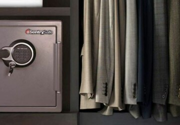 10 Things You Must Know Before Buying A Safe - small safe, safe, home