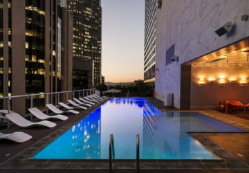 Is a Swimming Pool the Ultimate Urban Status Symbol? - swimming pool, life style