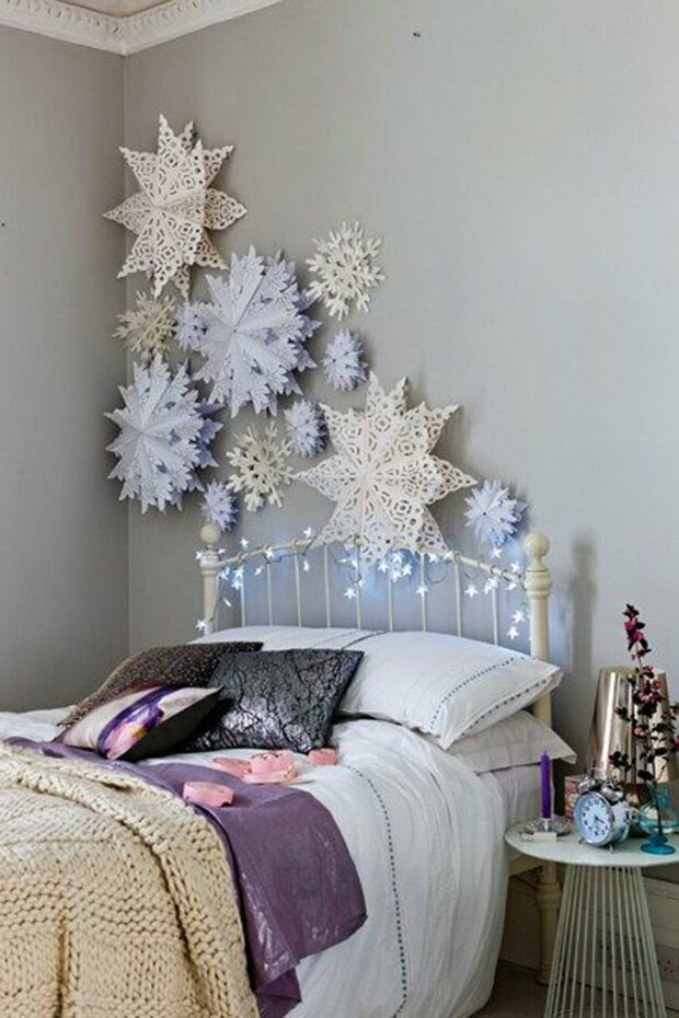 15 Super Easy Paper Snowflake Craft Ideas - Paper Snowflakes, Paper Snowflake Craft Ideas, Paper Snowflake, diy Paper Snowflakes