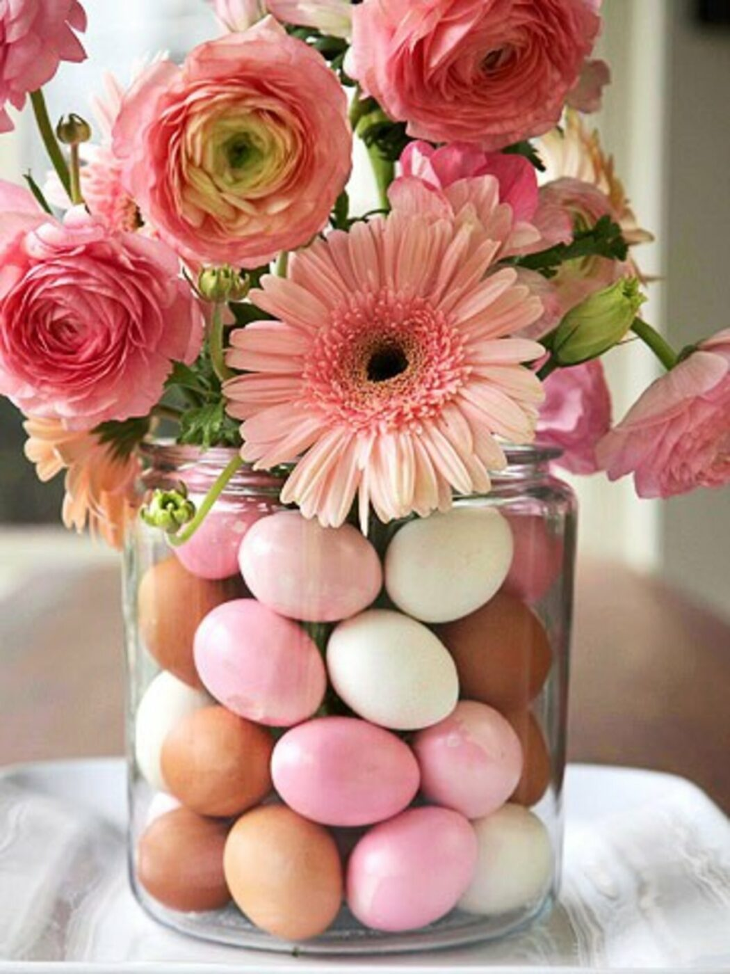 Pretty Pink Posey Egg Display