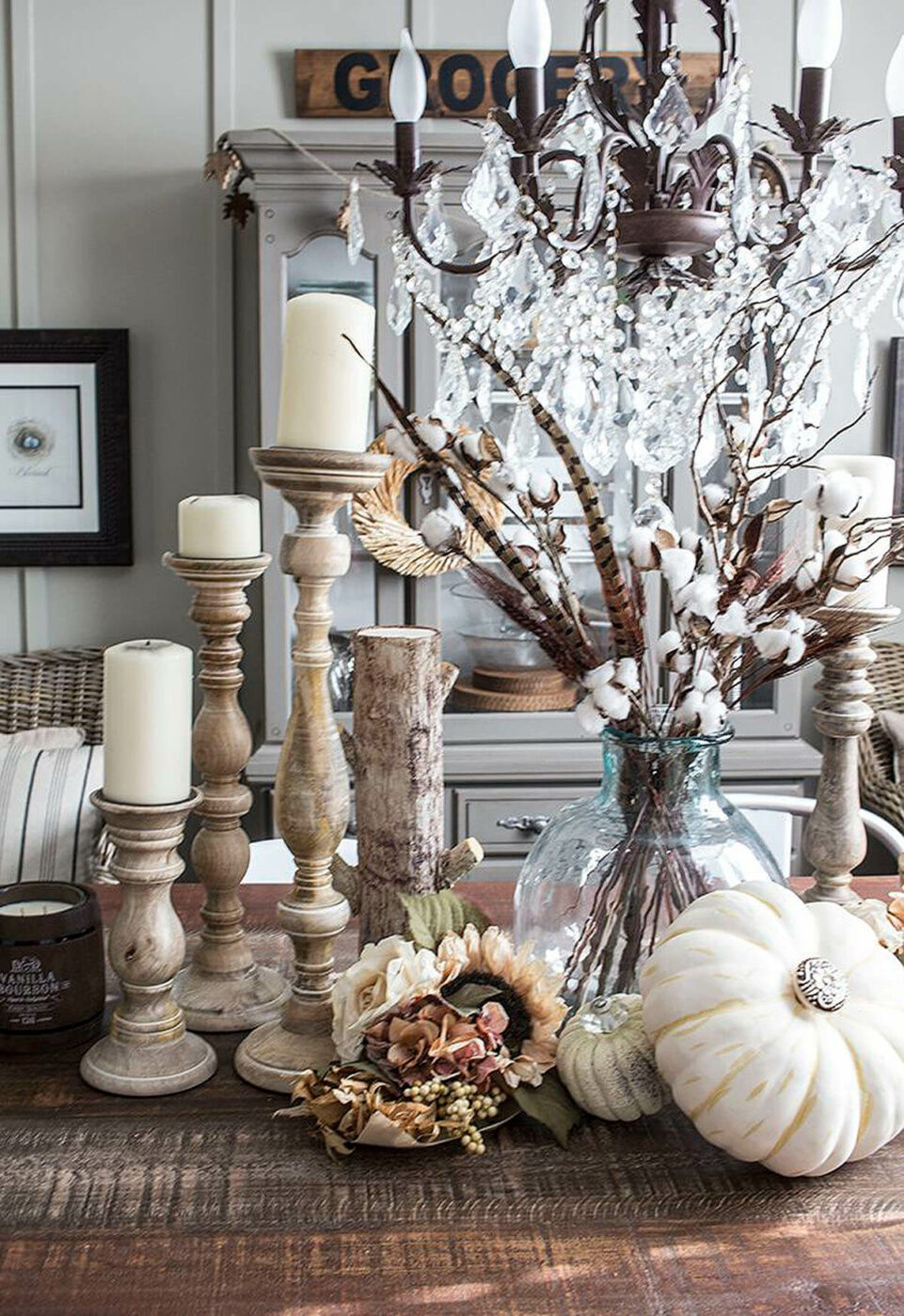 A Stunningly Sophisticated Harvest Centerpiece