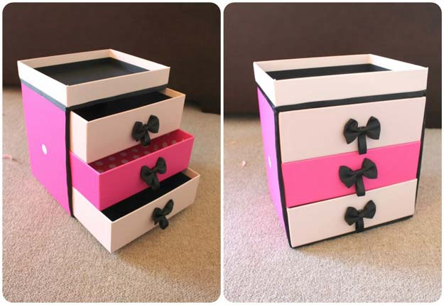 DIY Makeup Organizing Ideas - Make Up Storage - Projects for Makeup Drawer, Box, Storage, Jars and Wall Displays - Cheap Dollar Tree Ideas with Cardboard and Shoebox - Wood Organizers, Tray and Travel Carriers http://diyprojectsforteens.com/diy-makeup-organizing