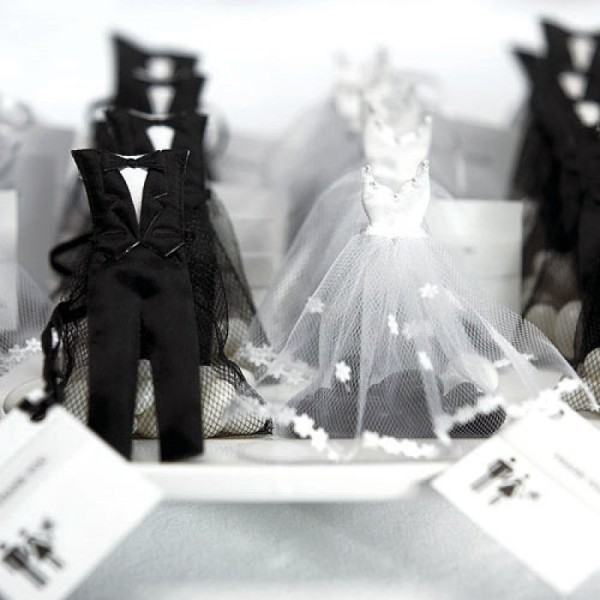 11.Bride and Groom Favor Bags