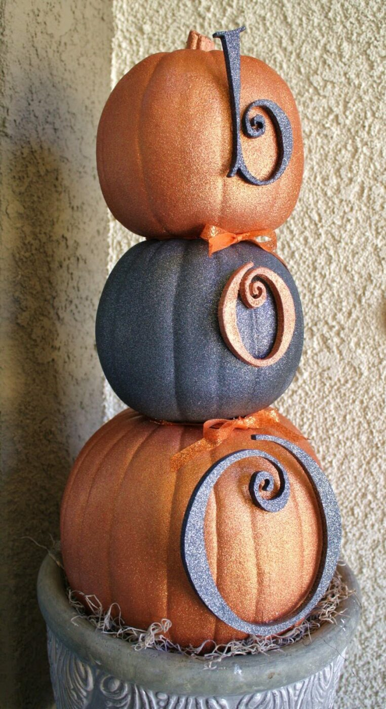 A Pumpkin Snowman? | Scary DIY Halloween Porch Decoration Ideas | vintage halloween porch