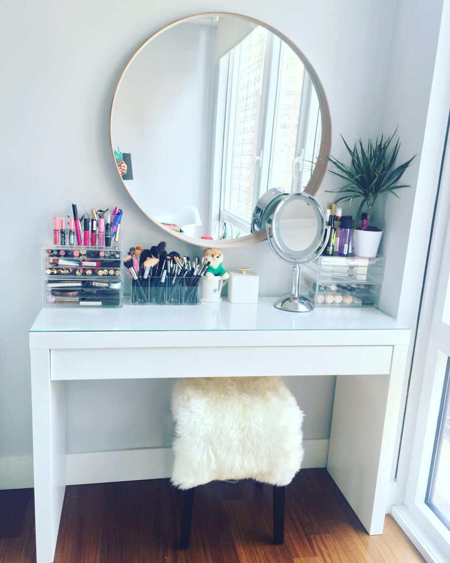 Easy Bedroom Vanity Table