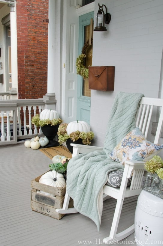 Blanket Porch Display