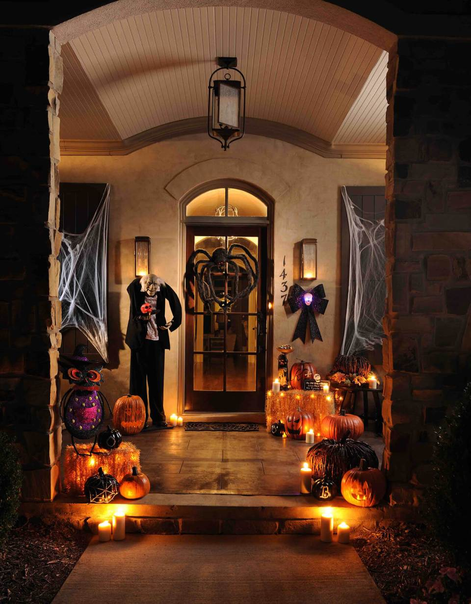 An Almost Peaceful Halloween Setting | Scary DIY Halloween Porch Decoration Ideas | vintage halloween porch