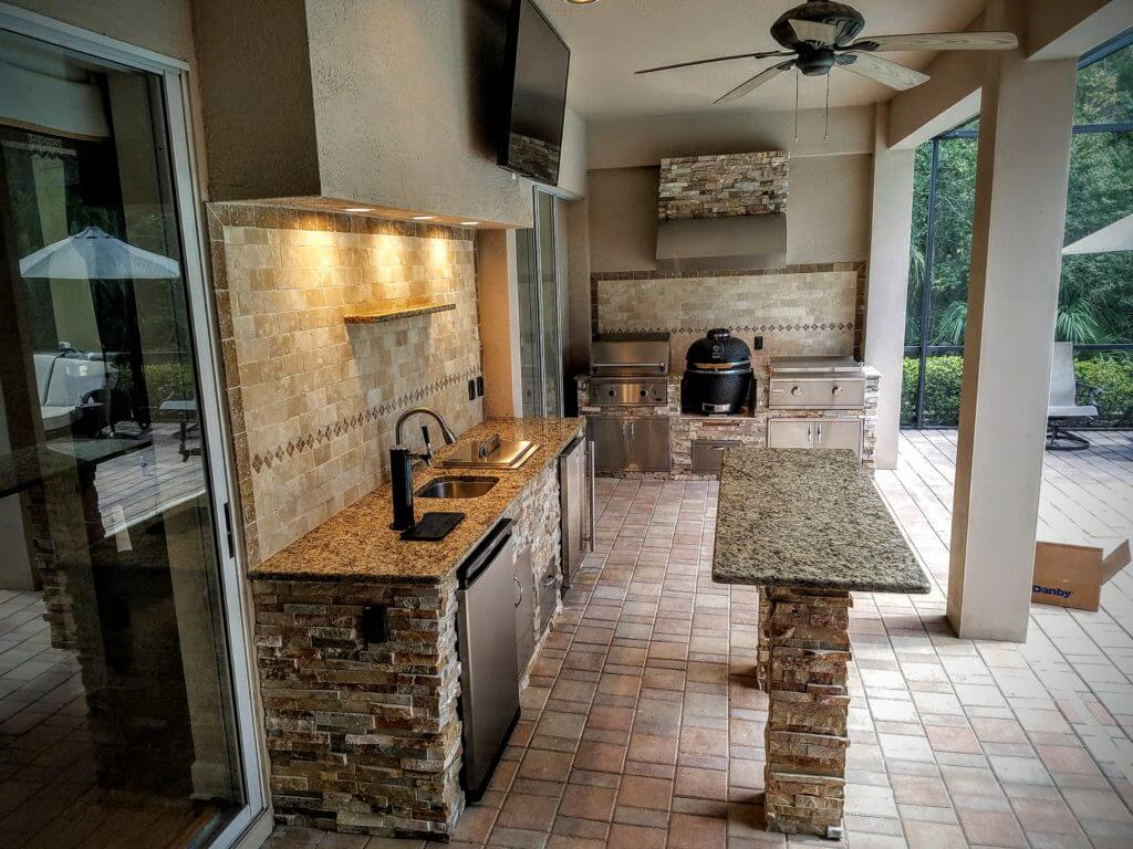 Full Patio Kitchen with Island