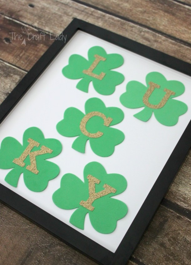 15 Easy DIY St. Patrick's Day Decorations - Diy St. Patrick's Day Decorations, DIY St. Patrick's Day Decoration, DIY St. Patrick's Day Decor, DIY St. Patrick's Day, DIY Patriotic Home Decor Ideas
