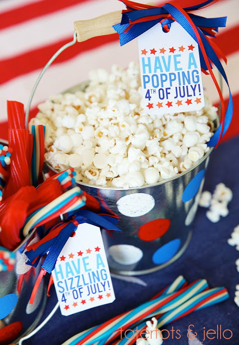 17 DIY Patriotic Home Decor Ideas and Projects for 4th of July - DIY Patriotic Home Decor Ideas, DIY Patriotic, diy 4th of July decorations, 4th of July diy wreath, 4th of July diy decor, 4th of July centerpiece