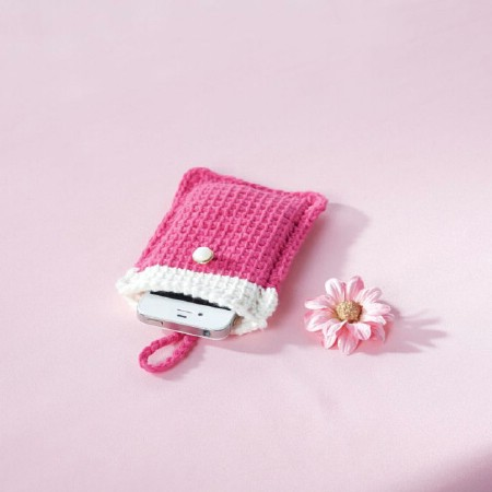 Crocheted cell phone cover