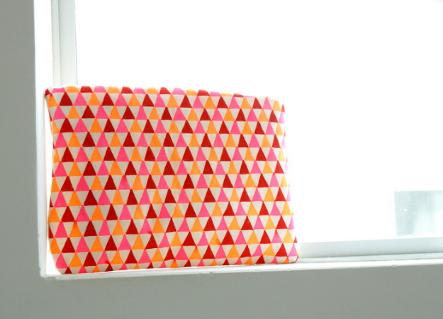 Cool DIY Sharpie Crafts Projects Ideas - DIY Geometric Patterned Pouch is an Easy DIY Gift Idea