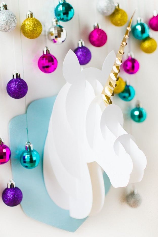 DIY Ideas With Unicorns - 3D Paper Craft Unicorn Head - Cute and Easy DIY Projects for Unicorn Lovers - Wall and Home Decor Projects, Things To Make and Sell on Etsy - Quick Gifts to Make for Friends and Family - Homemade No Sew Projects and Pillows - Fun Jewelry, Desk Decor Cool Clothes and Accessories http://diyprojectsforteens.com/diy-ideas-unicorns