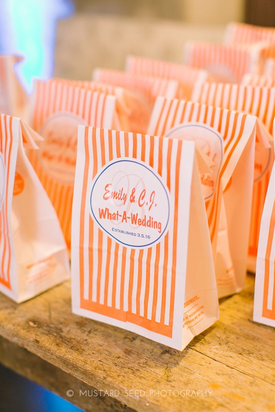 Sweet Treats - 15 Fabulous Edible Wedding Favor Ideas - Wedding Favor Ideas, Wedding Favor, fall wedding, Edible Wedding Favor Ideas, DIY Wedding Favors, 18 Amazing DIY Wedding Favors Your Guests Will Love