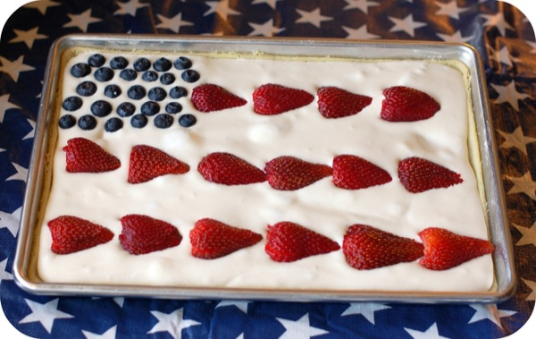 All American Fruit Flag +25 4th of July Party Ideas | NoBiggie.net
